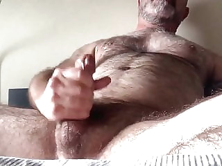 Bear cumming 1:43 2020-12-21