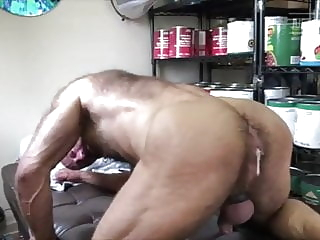Daddy gets creampied bareback bear bukkake
